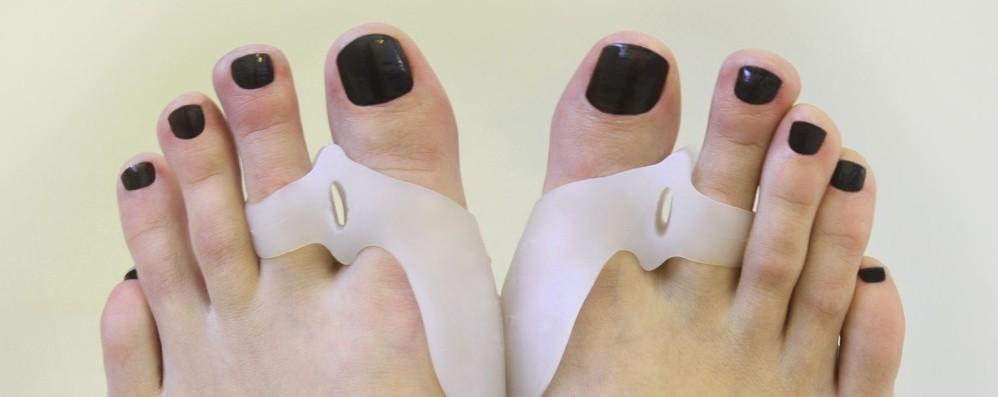 Scarpe aperte e sandali. E per l'alluce sono dolori