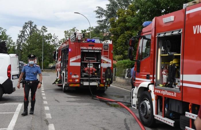 Carabinieri e vigili del fuoco ad Arzago