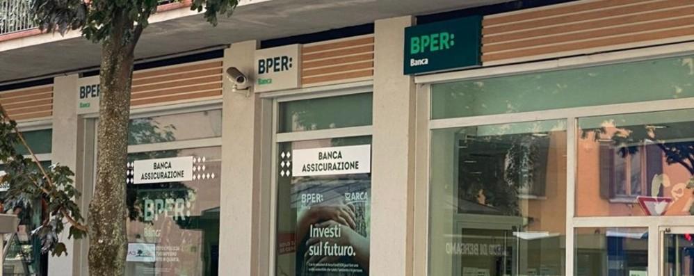 Sette filiali Intesa passano a Bper: lunedì il cambio
