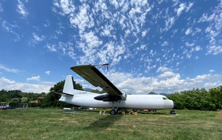 Sorpresa al parco fluviale di Brembate Sopra: ecco l'aereo Fokker 27 che diventerà un b&b