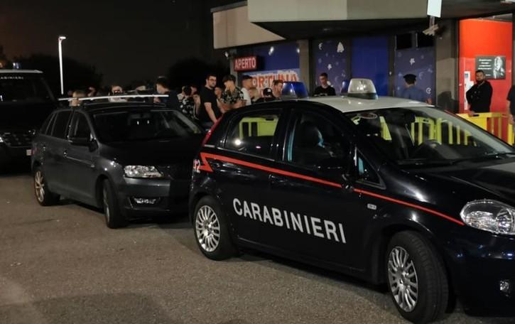 Strade e locali, stretta dei carabinieri: operaio arrestato con un chilo di droga