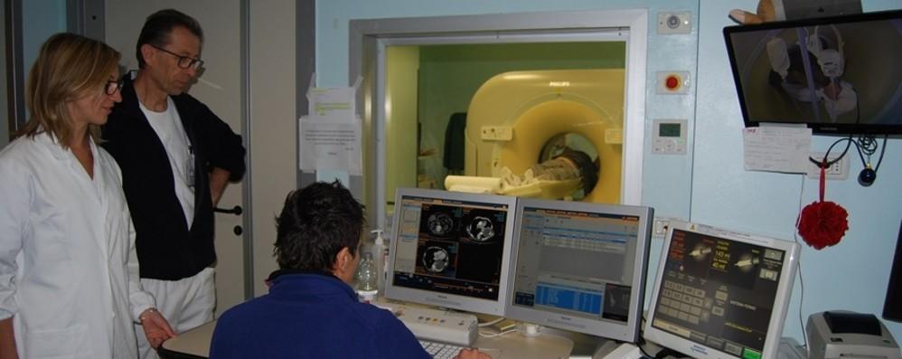 Tumore al seno, test genomico gratuito contro il ricorso alle cure più invasive