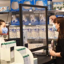 Vaccinazioni anti Covid nelle farmacie: aderiscono anche Bergamo e Martinengo