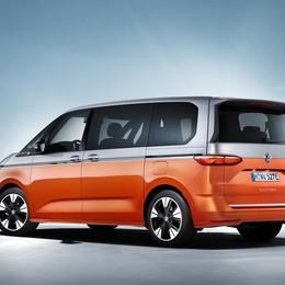 Volkswagen Multivan fa debuttare l'ibrido