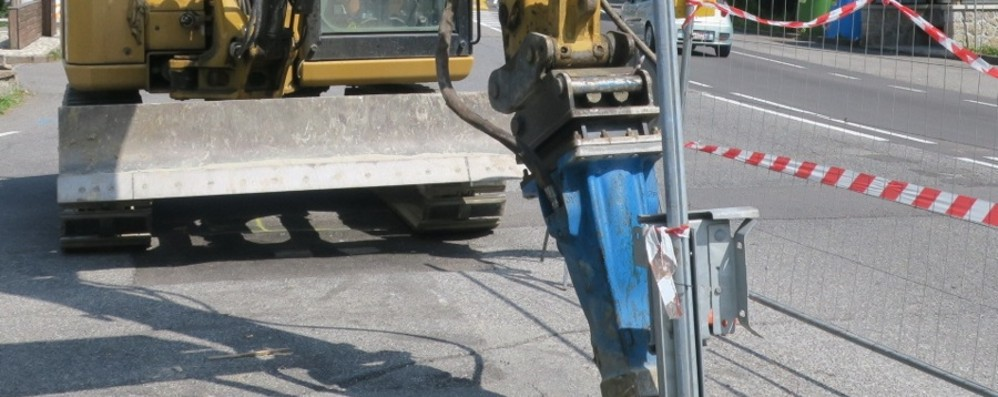 Bergamo, si sostituiscono le tubazioni del gas in via Lochis. Entro la settimana chiude il cantiere di via Tiraboschi
