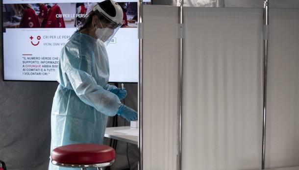Coronavirus in Italia, 3.117 nuovi casi e 22 vittime. Tasso di positività al 3,5%