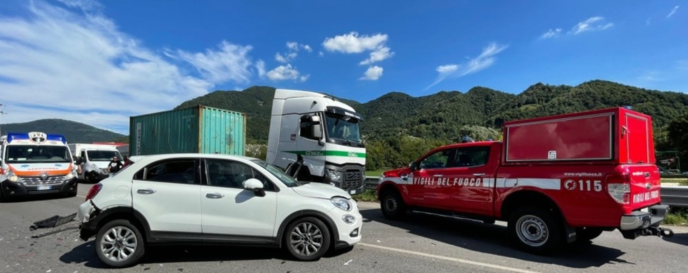 Incidente con feriti a Nembro, code sulla superstrada