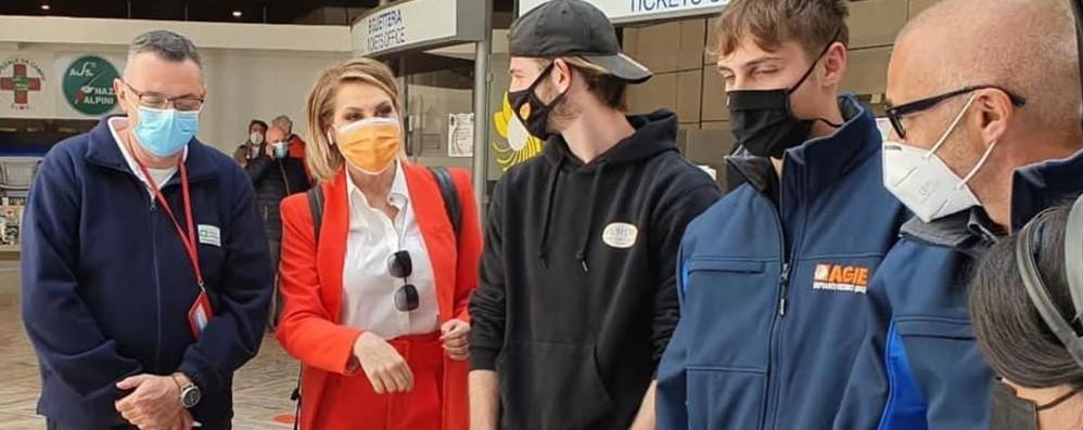 «Le 7 giornate di Bergamo», il docufilm di Simona Ventura racconta l'ospedale in Fiera