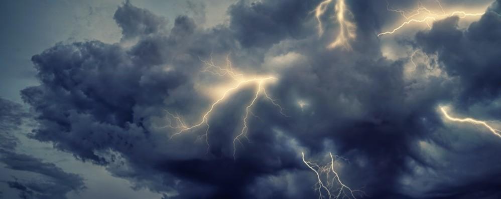 Meteo: mercoledì al Nord nubifragi (allerta anche a Bergamo), al Sud punte di 42°C