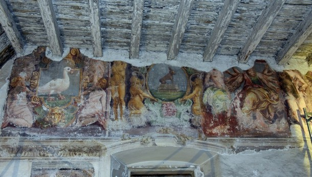 Scoperta durante i lavori in Sant'Agostino: torna alla luce un maxiaffresco