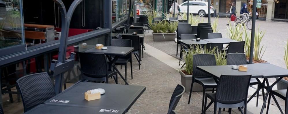 Venerdì nuove regole al ristorante: scatta l'obbligo del green pass per mangiare al coperto