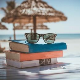 5 libri di autori bergamaschi da leggere sotto l'ombrellone (o dove trascorrerete le vostre vacanze)