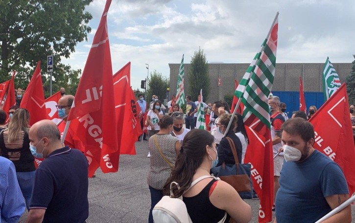 Crisi Boost, continua la mobilitazione: altre 8 ore di sciopero mercoledì 4 agosto