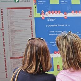 Lombardia, via libera alle visite dei parenti in ospedale ma con green pass