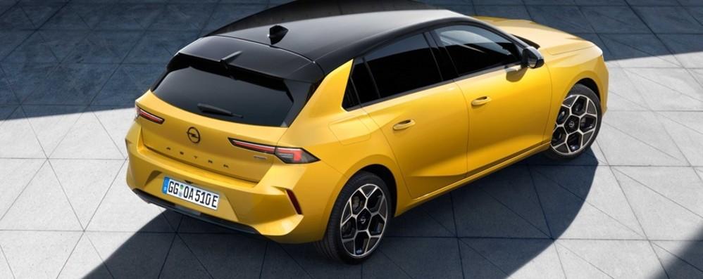 Opel Astra  Debutta l'ibrido
