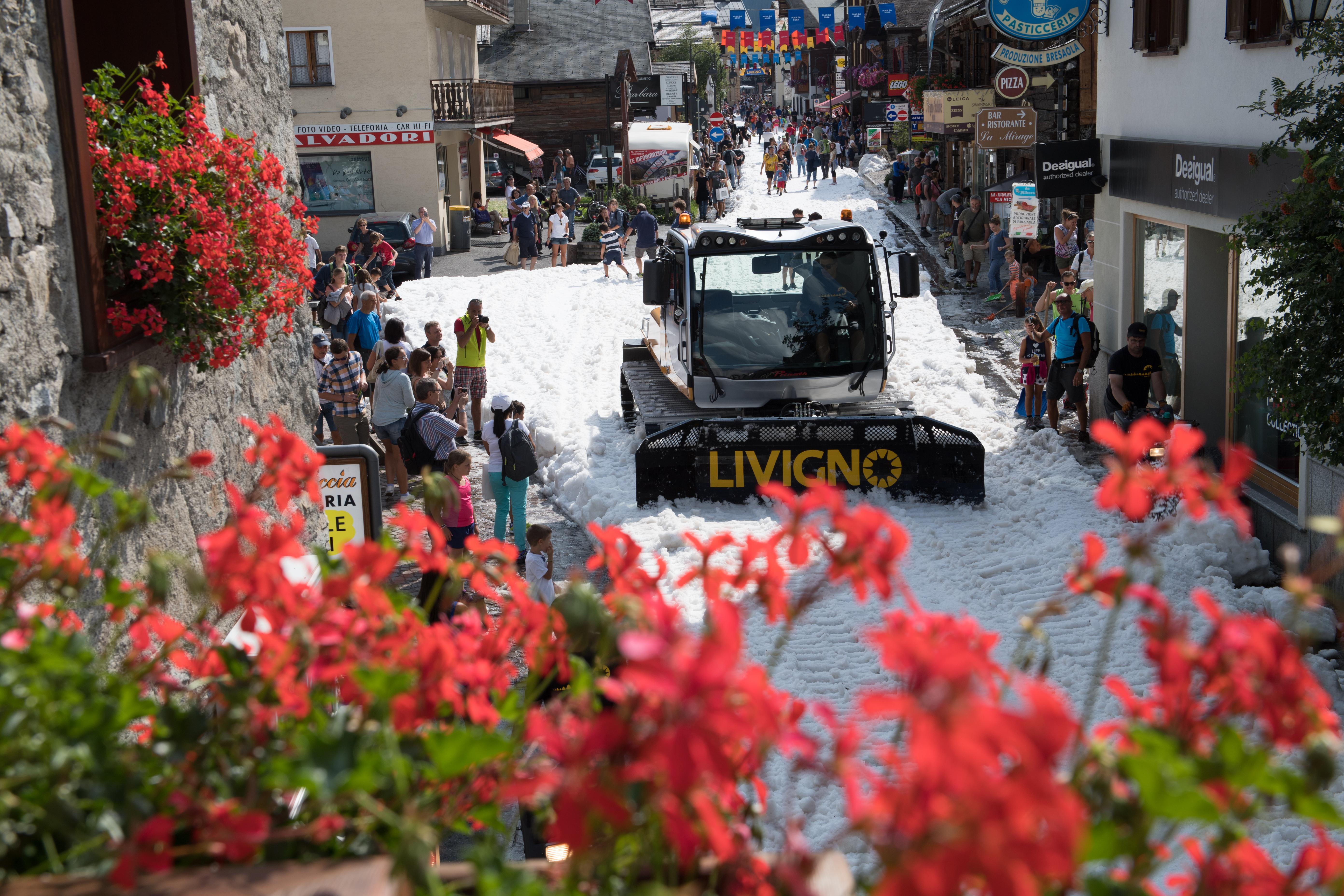 La neve d'estate a Livigno per il Palio delle contrade