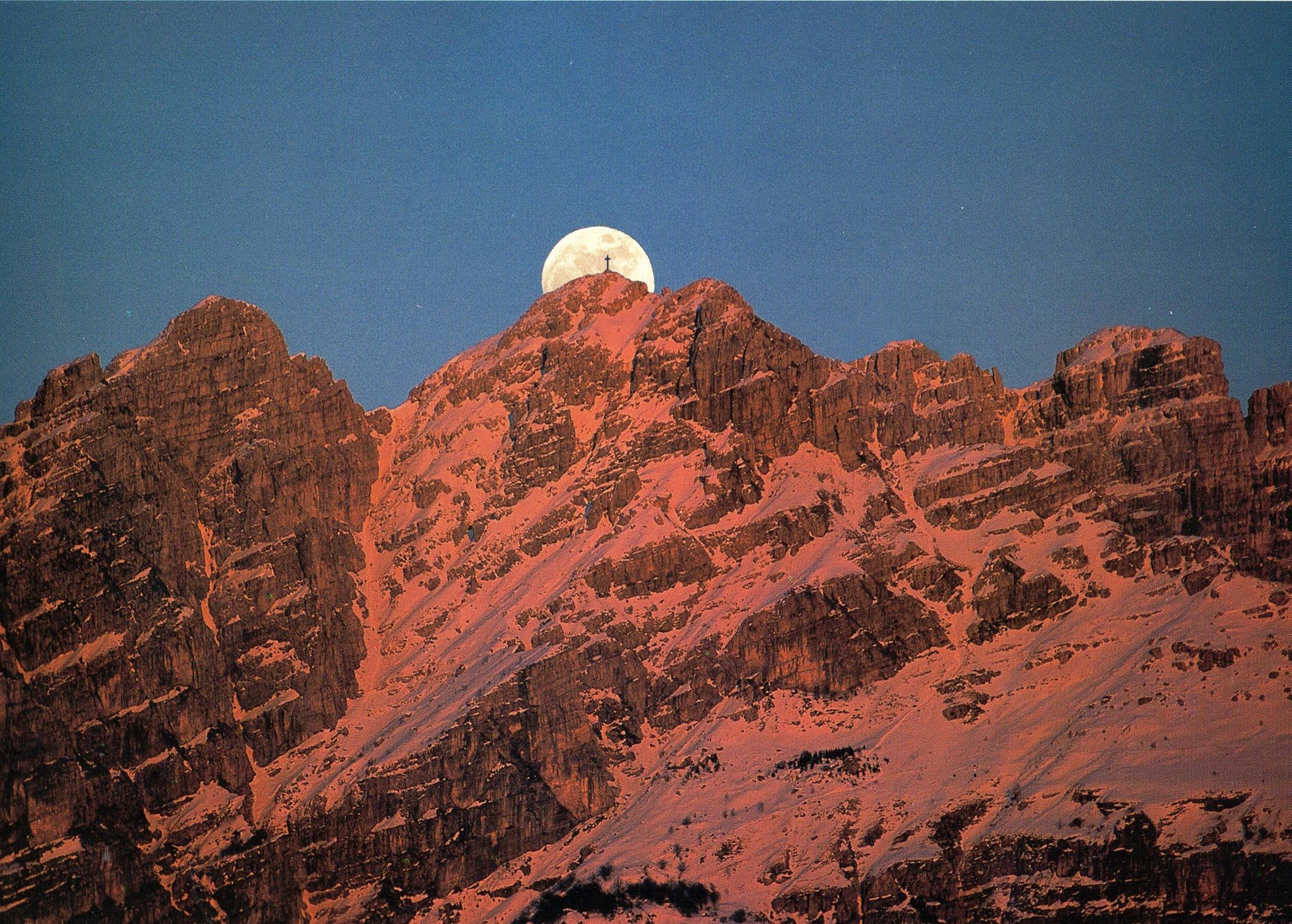 Sul Resegone al chiaro di luna