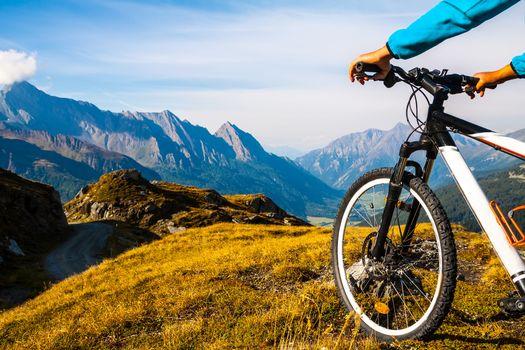 Valtellina e valle Camonica, sì alla ciclabile