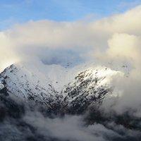 La tua gallery invoglia a salire su  queste montagne ........aspettimo pero' condizioni di tempo migliori (non si sa mai),,,,,  un saluto