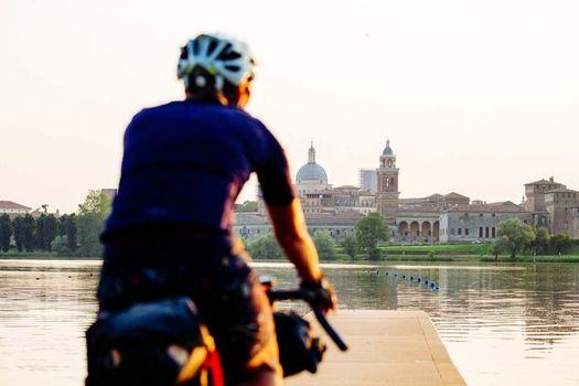 A Mantova si incontrano i viaggiatori in bicicletta di tutta Europa