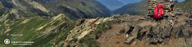 33597_01-in-vetta-al-pizzo-zerna-_2572-m_-con-vista-sulla-valle-del-livrio-e-verso-la-valtellina-e-le-alpi-retichejpg.jpg