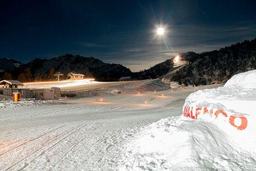 Luna piena sugli sci in Valmalenco