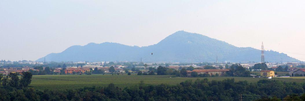 Un sito per la tutela del monte Orfano
