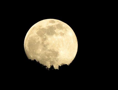 Super luna rosa : dal mio balcone