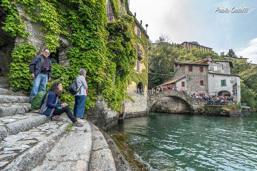 Le Passeggiate creative nel borgo di Nesso, guarda il video
