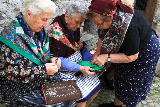 A Lanzada rivive l'arte dei pedü. I video