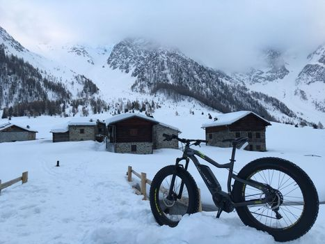 Fat bike nella neve della Val di Rezzalo
