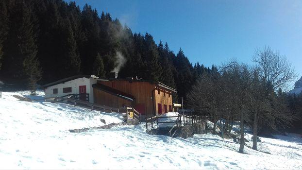 Nel weekend riaprono i rifugi Alpe Corte e Dosdè