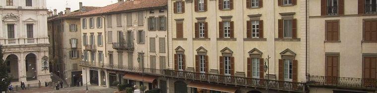 8897_piazza-vecchia-green