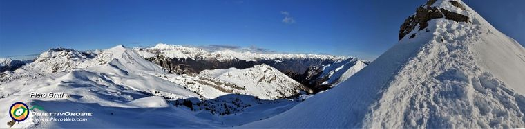 34830_54-vista-panoramica-sul-tratto-impegnativo-disceso-e-verso-le-orobiejpg.jpg