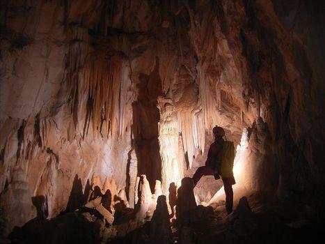 Cai di Erba, un corso di speleologia