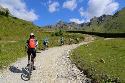Orobie Extra. Scopri la stagione bike con Giulio Masperi