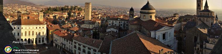 31969_04-torri-campanili-cupole-di-citta-alta-dalla-torre-civica-_campanone_jpg.jpg