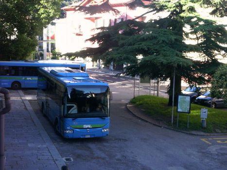 Più autobus per i turisti, esperimento estivo sul Lario