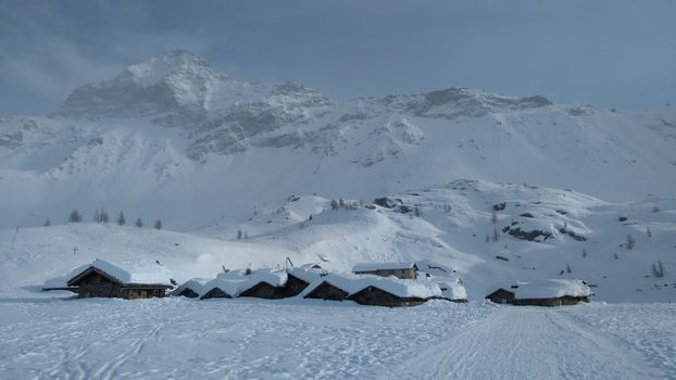 Al rifugio Cristina-alpe Prabello