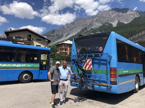 Escursioni con ebike, convenzione autobus per i cicloturisti