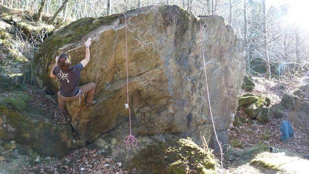 Uskionblok, bouldering e arrampicata a Uschione